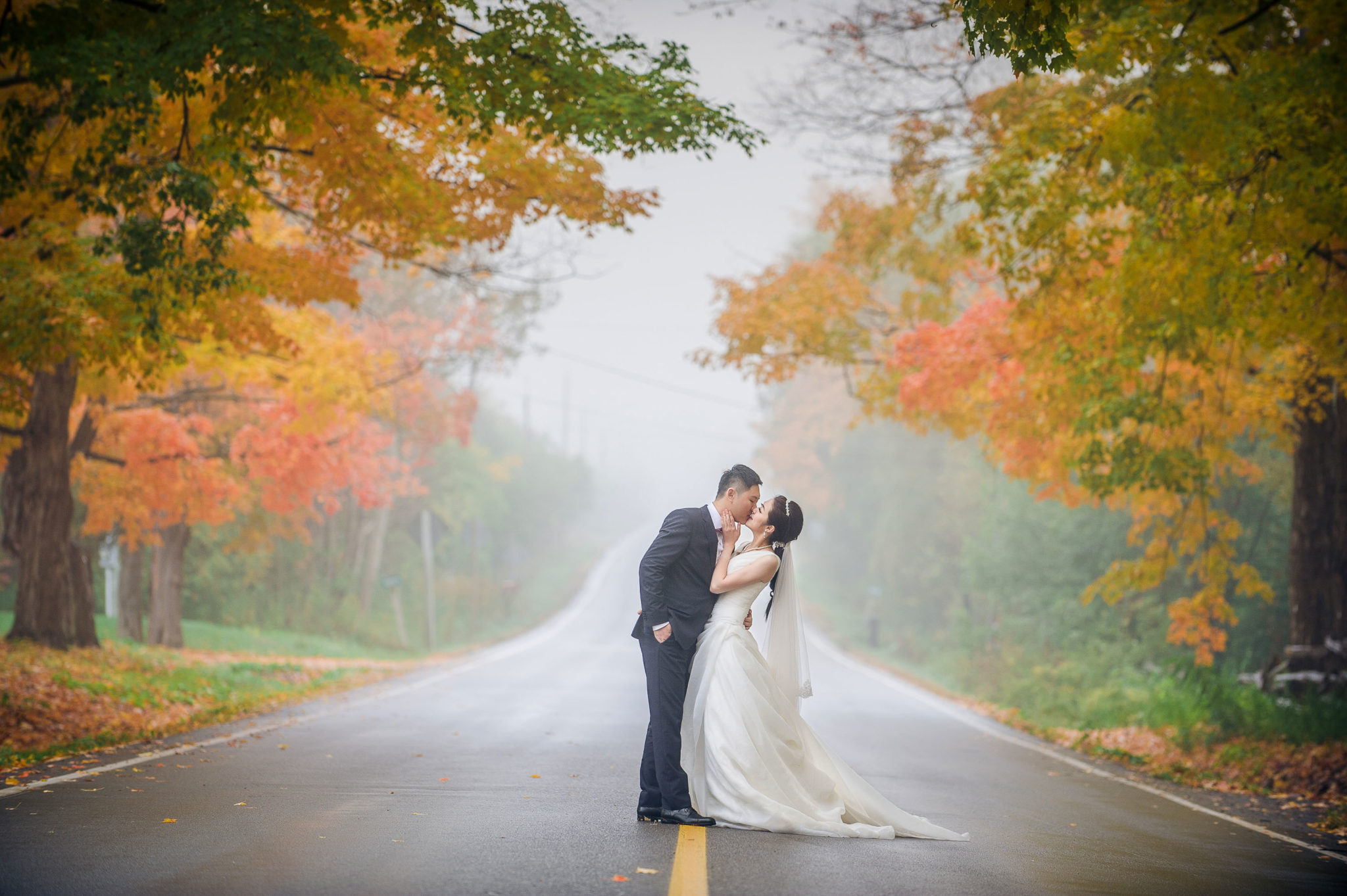 5 Tips for Taking Wedding and Enagement Photos in the Fall- AGI Studio