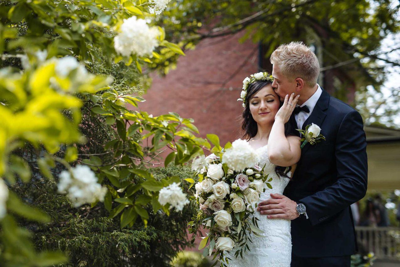 7 Ways to Beat the Heat During a Summer Wedding Photo Shoot- AGI Studio Toronto Wedding Photographers