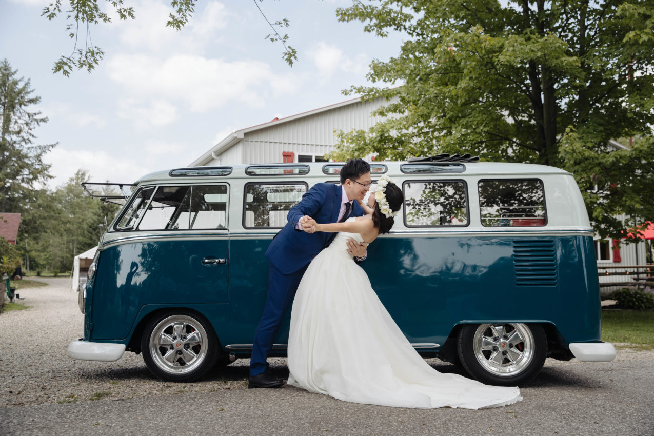 How to Pick Wedding Transportation-AGI Studio Toronto Wedding Photographers